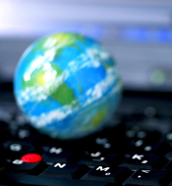Вашингтон отказался продлевать с ICANN контракт на управление интернетом